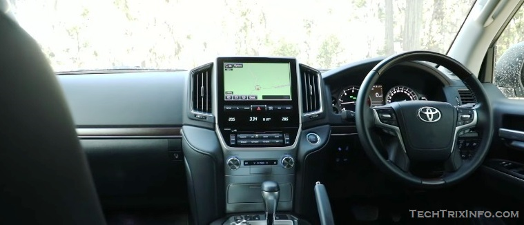 2018 Toyota Land Cruiser interior 1